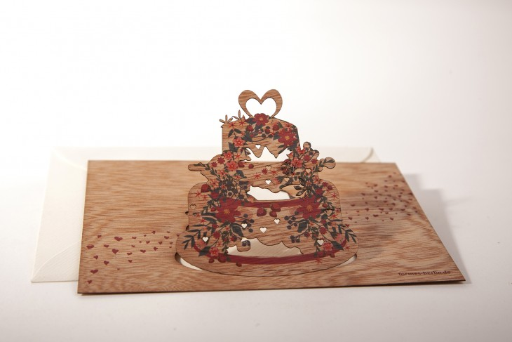 Wedding cake - Wooden Greeting Card with Pop Up Motif