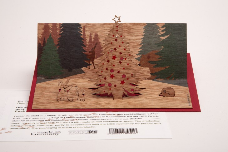 Christmas in the forest - Wooden Greeting Card with Pop Up Motif