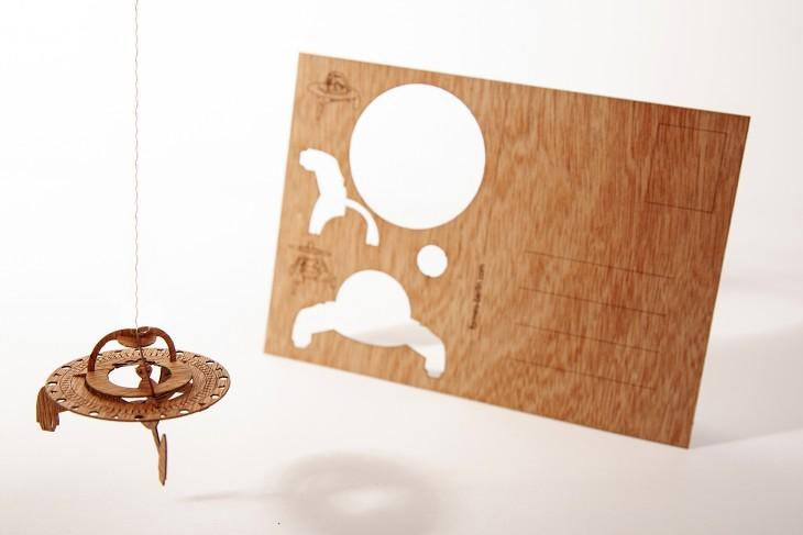 UFO - Holzpostkarte